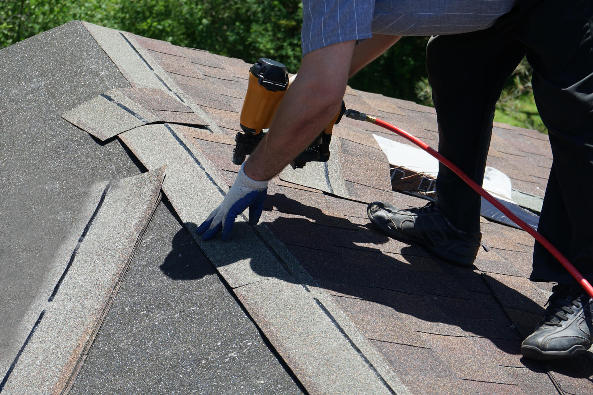 Roofing Contractor Replacing Roof In Dallas-Fort Worth
